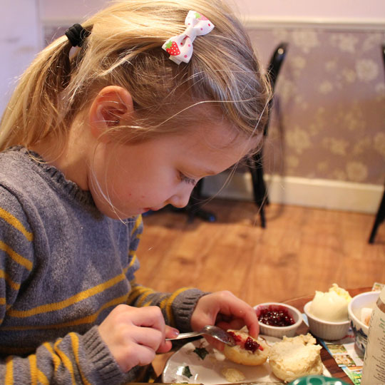 Lucy-making-a-scone