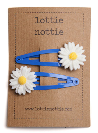 Daisy on Bright Blue Snap Hair Clips